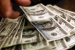 Are Money-Back Guarantees Helpful Choosing Best Human Adviser?