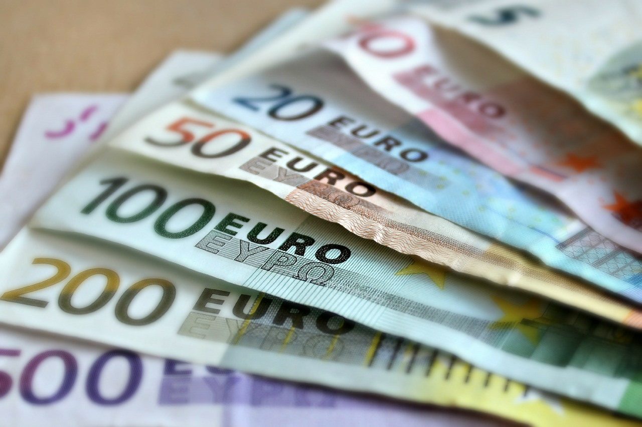 Euro ETF Surges as ECB's Draghi Triggers Volatility