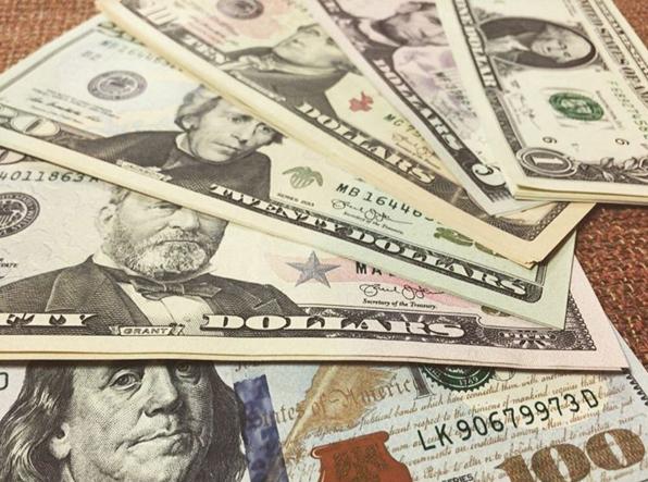 Rising Interest Rate Bets Help U.S. Dollar ETF Gain Momentum