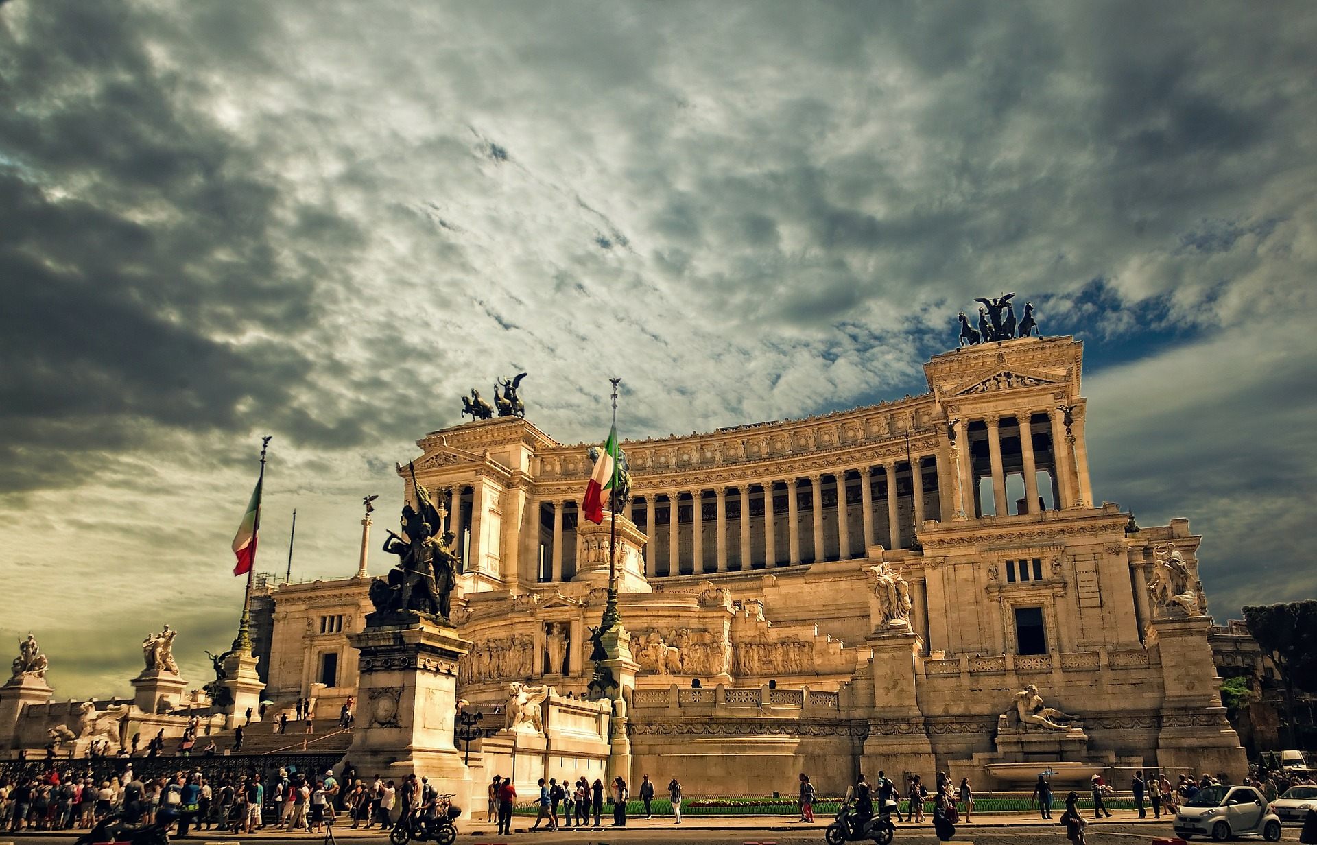 Rome Extends Italy Banks, ETFs a Helping Hand