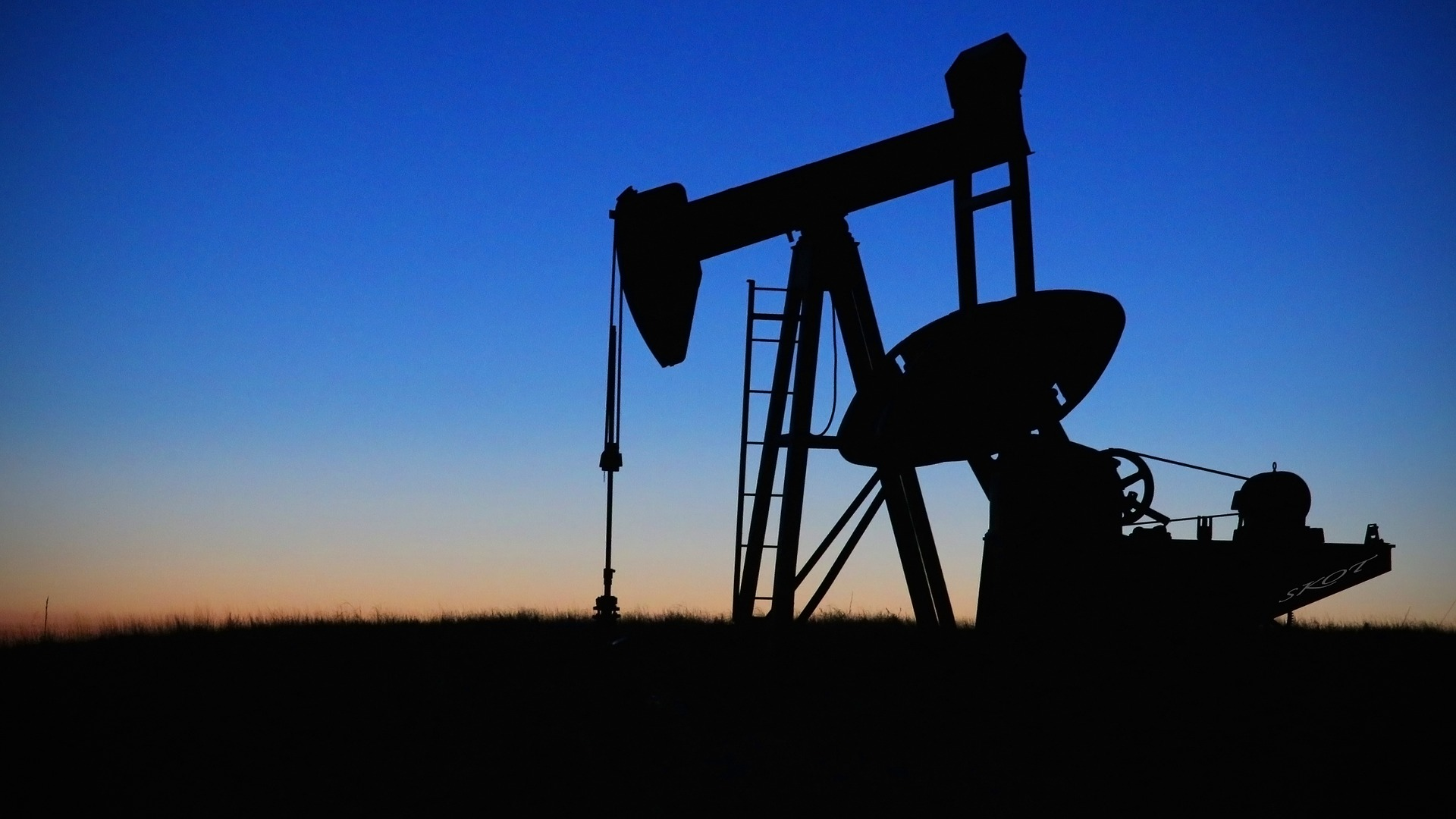 Oil ETFs at 7 Month High on Falling U.S. Inventories