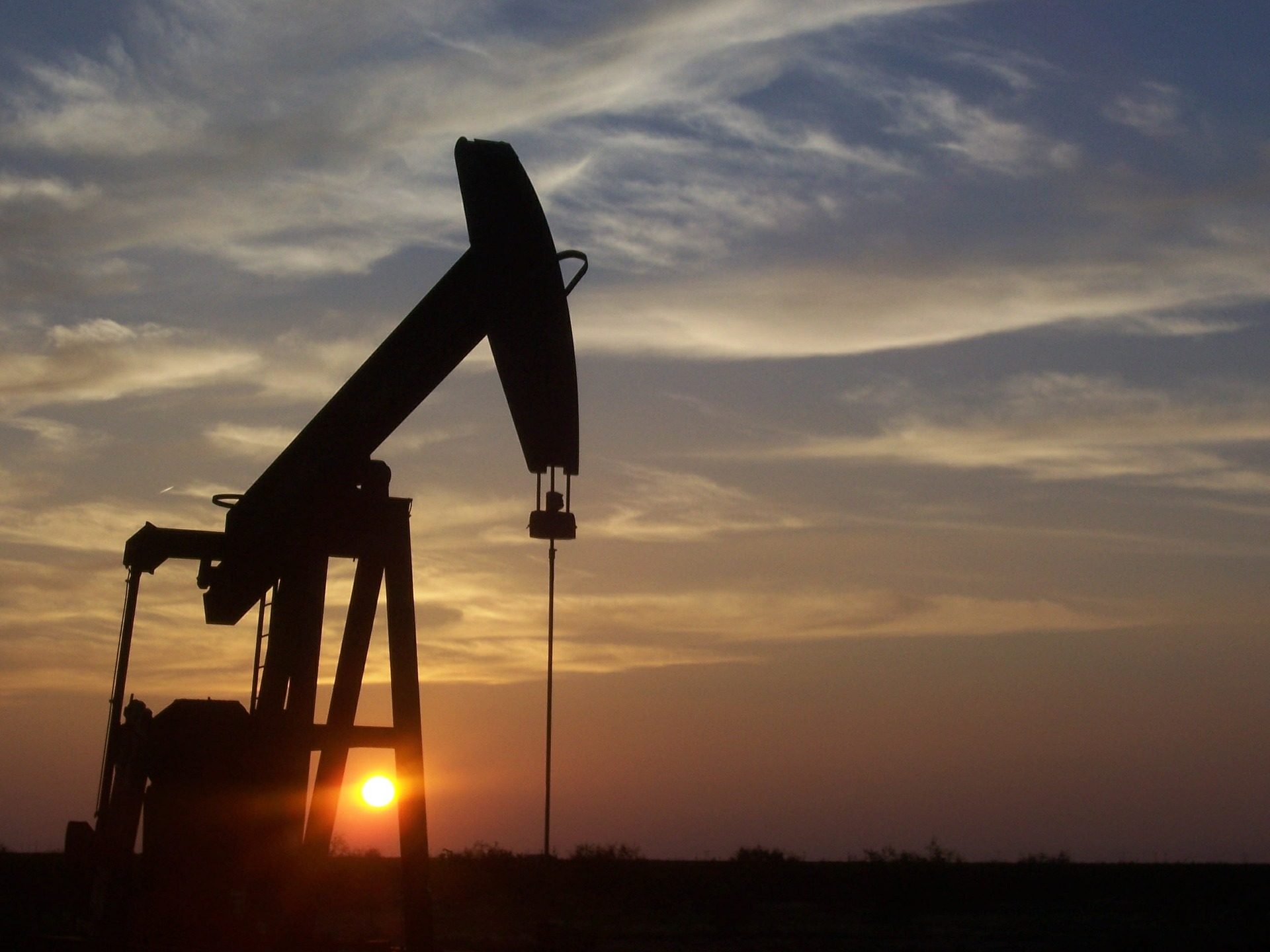 Falling Oil Prices Renew High-Yield, Junk Bond ETF Concerns