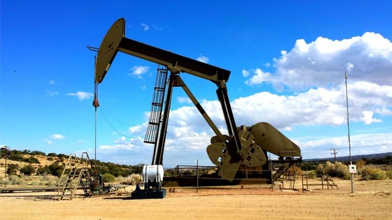 Pros Bet on More Oil ETF Upside