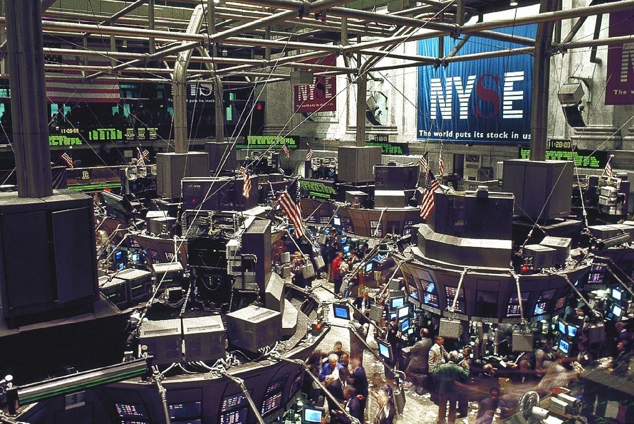U.S. Stock ETFs Strengthen on Deregulation Promises, Increased Payrolls