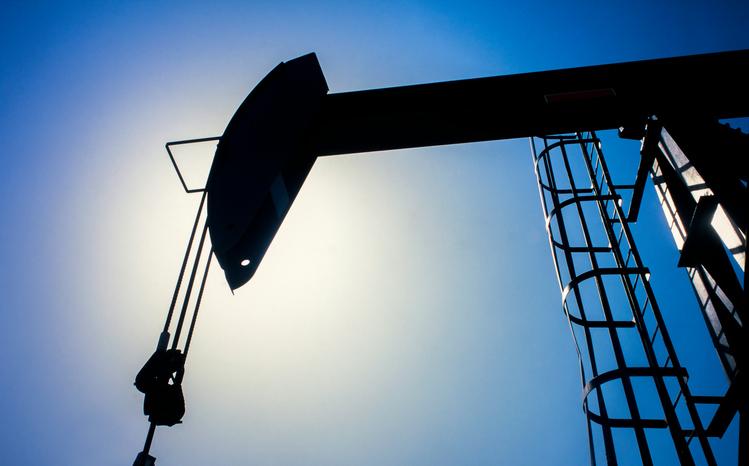 U.S. Stock ETFs Slip as Oil Prices Slide