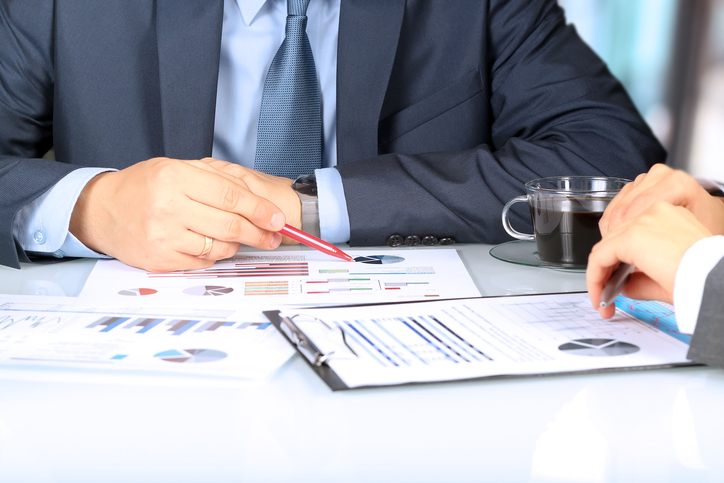 Financial Advisors Need to Gain the Trust of Investors First