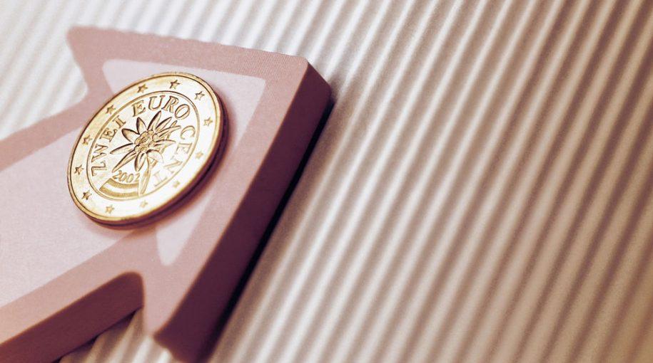 A Slim Fee ETF Bulging With International Stocks