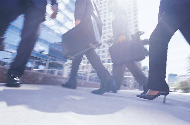 Charles Schwab Reveals Rising ETF Demand as Bull Market Extends
