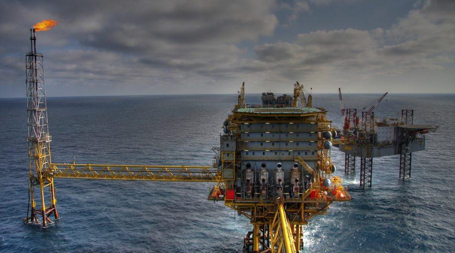 Weak Dollar Lifts Oil ETFs