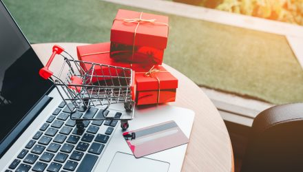 Online Retail ETF Tops $200 Million in Assets