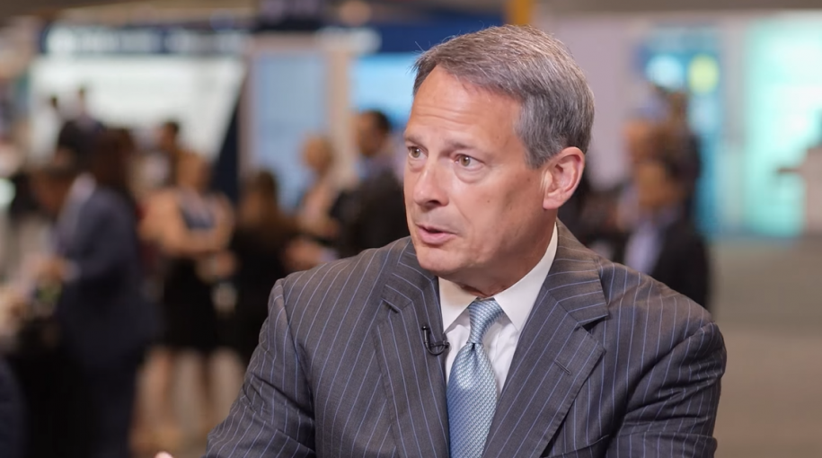 Schwab CEO Walt Bettinger: Tech Solutions Remain 'All About the Client'