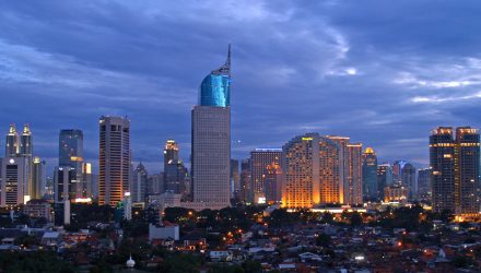 Indonesia Central Bank Raises Rates Amid Turkey Crisis