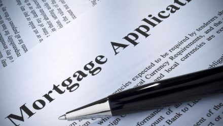Mortgage Applications Fall Amid Rising Interest Rates and Low Supply