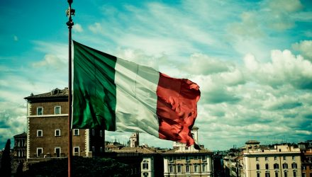 Italian Bonds Gain on Leaders' Assurances to Abide by EU Rules