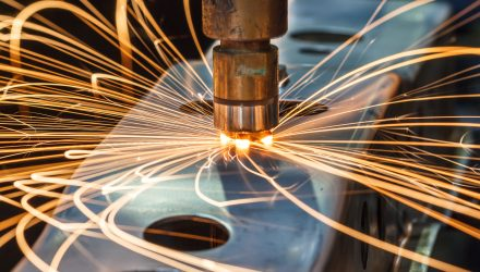 How Cobots Are Changing Metal Fabrication